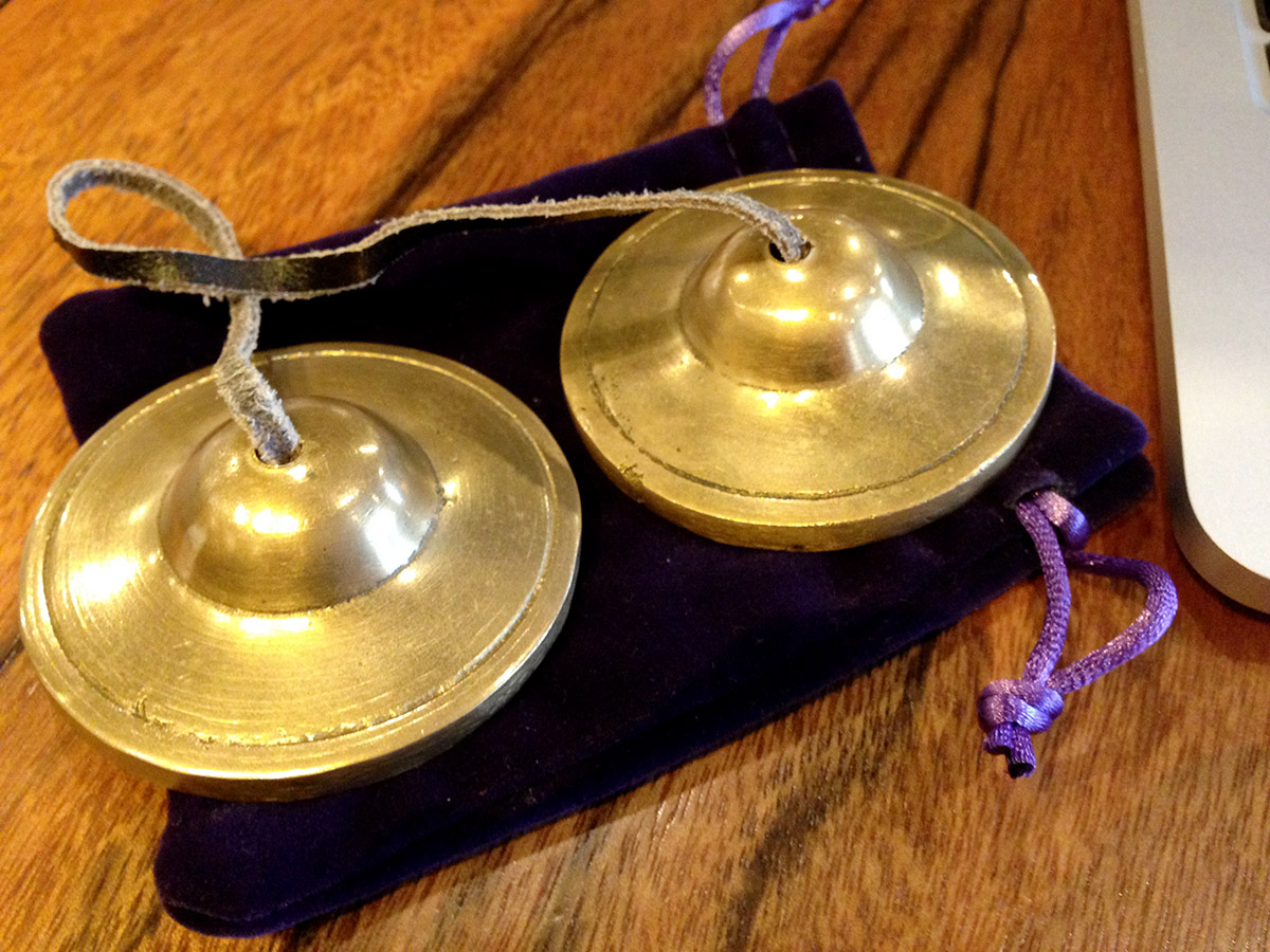 オフィスヨガ&瞑想で、部署をこえた交流も生まれる