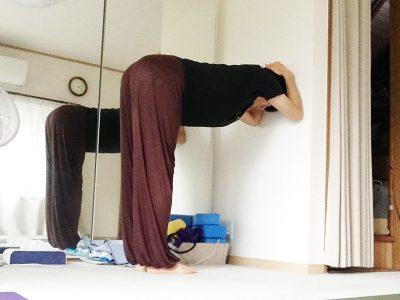 シルシャーサナ(ヘッドスタンド・頭立ち)の自宅で出来る練習法